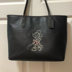 DIsney Minnie Mouse Coach Tote!